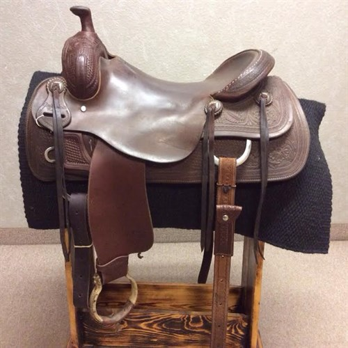 """17"""" Jeff Smith Ranch Cutting Saddle - Great saddle that is ready to ride! Nice pocket and forward hung stirrups. Does not come with complete back cinch. Oxbow stirrups."""