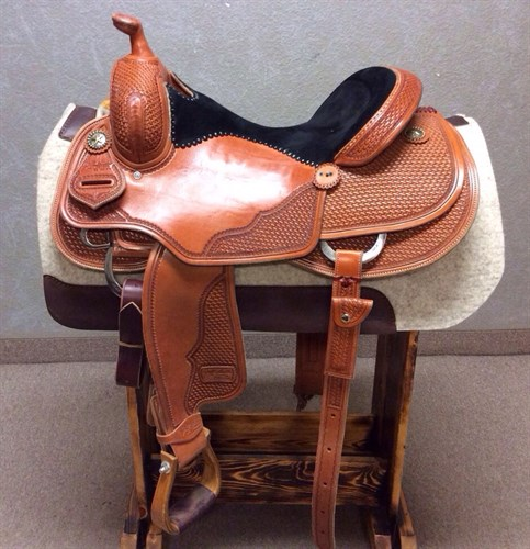 """16"""" Jeff Smith Reiner - ridden in maybe 10 times in new condition, has 1 concho missing. Herman oak leather, real wool underneath, cut out for close contact. Back cinch, stainless steal d-rings and a black suede seat."""