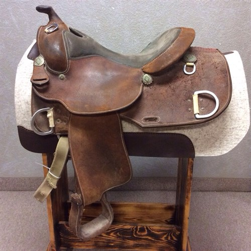 """16"""" Dale Chavez Training Saddle - Great training saddle in using condition. All rough out with suede equitation seat. The seat in this saddle does show some wear pictures included. A great deal on a Dale Chavez Trainer!"""