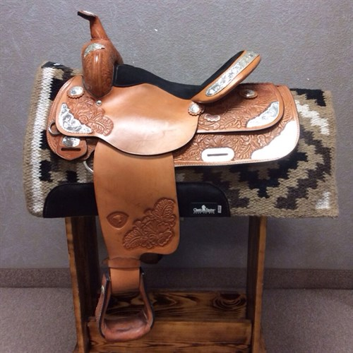 """15"""" Hereford Show Saddle - A great starter show saddle with a deep equitation seat. Very lightly used in working order and ready for a show!"""