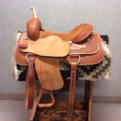 """17"""" Billy Cook Cutter - Greenville, TX. Brand new maybe used once or twice in egrets condition rawhide wrapped horn and padded seat."""