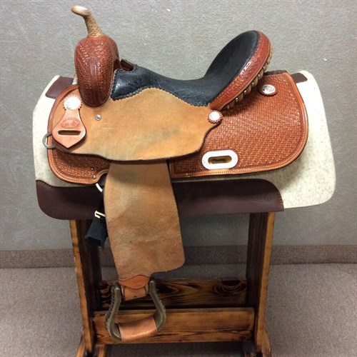 "15"" SRS Barrel Saddle - Made in Pilot Point, TX this LIKE NEW 1/2 tooled barrel saddle is equiped with a 15"" Elephant print seat, in skirt rigging, and rawhide wrapped stirrups."